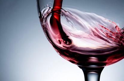ღვინო ლამაზი ფრჩხილებისთვის