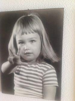 """რატომ გამოაქვეყნა სანდრა რულოვსმა ბავშვობის ფოტო - """"ბათუმის ბულვარის ბილიკებს ბავშვობიდანვე მხარს ვუჭერდი"""""""