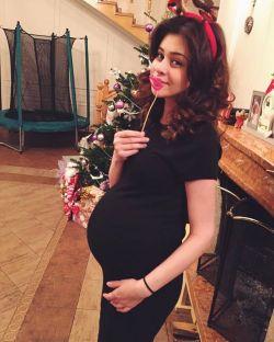 როგორ გამოიყურება ბექა ხოფერიას ფეხმძიმე მეუღლე